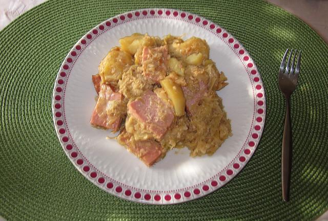 Leberkäse-Sauerkraut-Auflauf mit Zwiebelsuppe