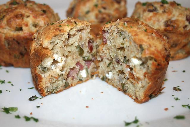 Cabanossi-Feta-Muffins – das Rezept