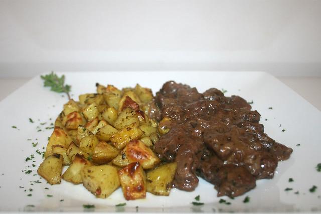 Wiener Majoranfleisch mit Röstkartoffeln – das Rezept