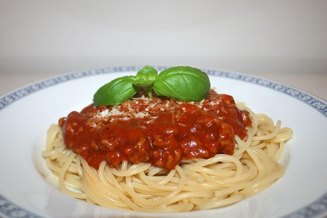 Spaghetti mit Hackfleisch-Tomatensauce