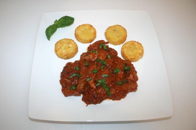 Tomaten-Schweinegeschnetzeltes mit Basilikum – das Rezept
