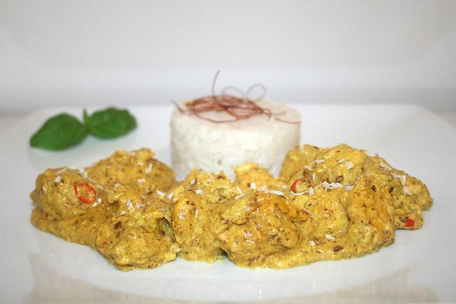 Kokoshähnchen mit Mandeln & Safran – das Rezept