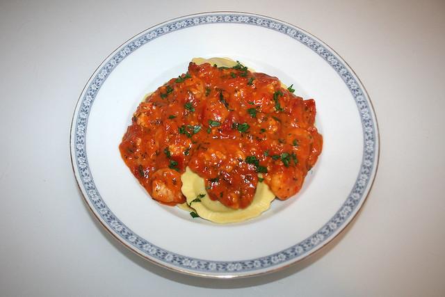 Camembert-Honig-Tomatensauce mit italienischen Kräutern & Scampi – das Rezept