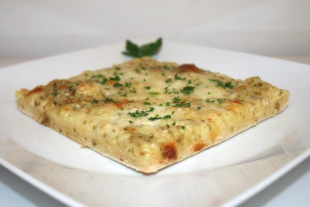 Pikante Knoblauchpizza – das Rezept