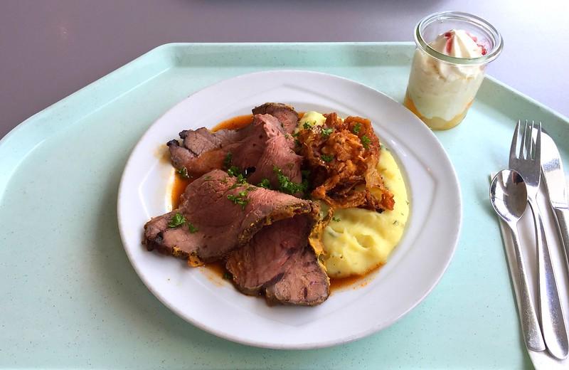 Roastbeef mit Portweinjus, Kartoffel-Pastinakenpüree & geschmorten Zwiebeln [20.04.2016]
