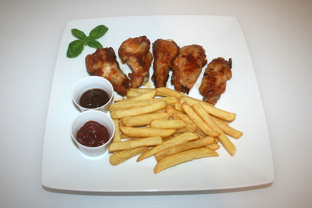 Chili Chicken Wings & Pommes Frites [28.06.2016]