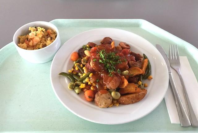 Westernpfanne mit gebratenen Würstchen, mexikanischem Gemüse, Country Potatoes & Mango-Chili-Chutney [29.06.2016]