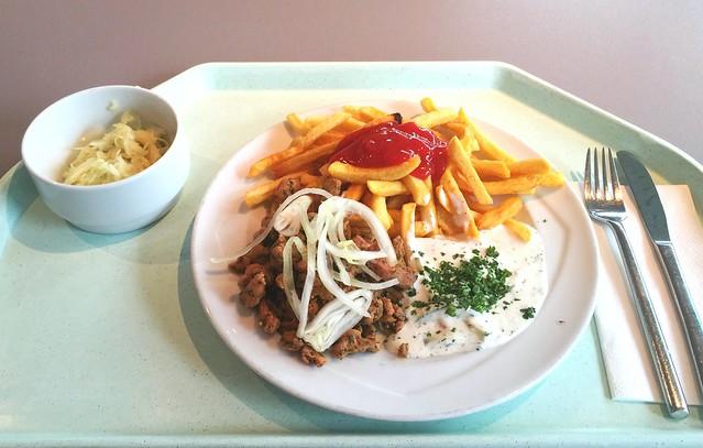 Gyros mit frischen Zwiebeln, Tzatziki & Pommes Frites [12.07.2016]