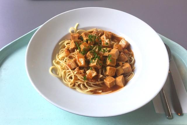 Wildlachswürfel in Bärlauch-Tomatensugo mit Spaghetti [17.08.2016]