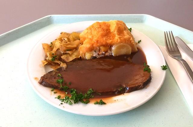 Allgäuer Ochsenbraten mit Kartoffelstrudel & bayrischem Kraut [22.09.2016]