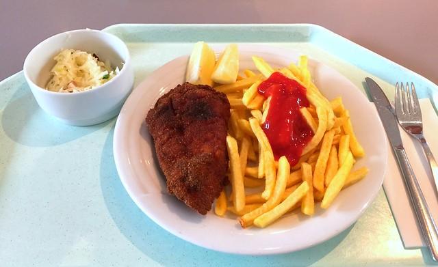 Wiener Backhendl mit Zitronenecke & Pommes Frites [12.10.2016]