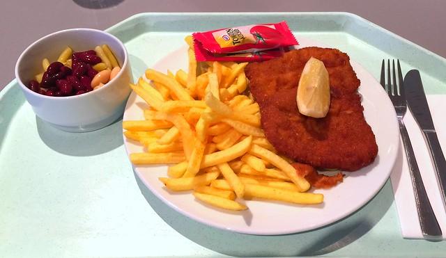 """Schweineschnitzel """"Wiener Art"""" mit Pommes Frites [17.11.2016]"""