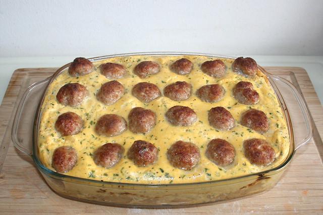 Bratwurstbällchen auf Sauerkraut – das Rezept