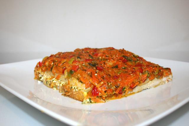 Putenschnitzel auf Zwieback mit bunter Gemüsehaube – das Rezept – reloaded
