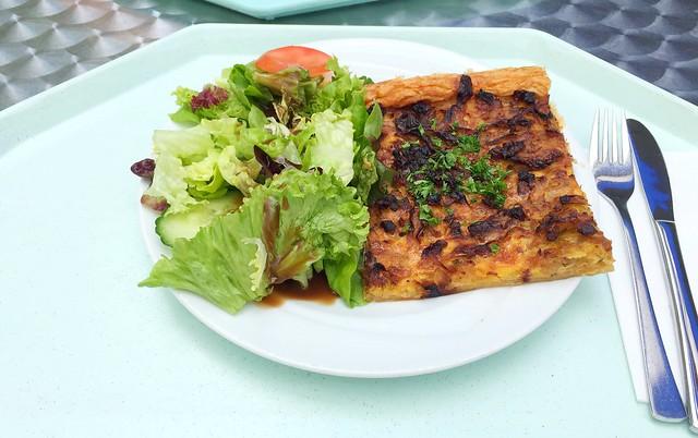 Französischer Zwiebelkuchen mit Speck & kleinem Salat [31.05.2017]