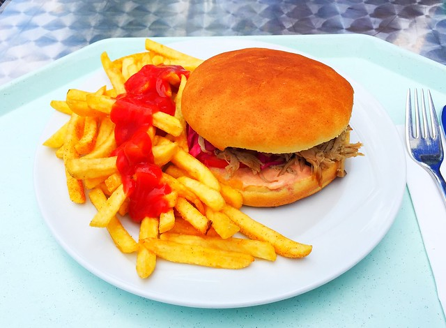 Pulled Pork in Broichesemmel mit Pommes Frites [02.08.2017]