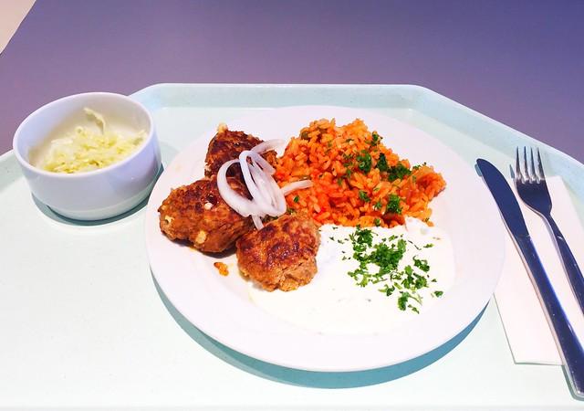 Bifteki mit frischen Zwiebel, Tzatziki & Djuvecreis [07.08.2017]