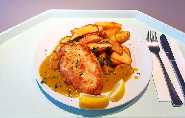 Hähnchenbrust in der Knusperpanade mit Currysoße & Country Potatoes [29.08.2017]