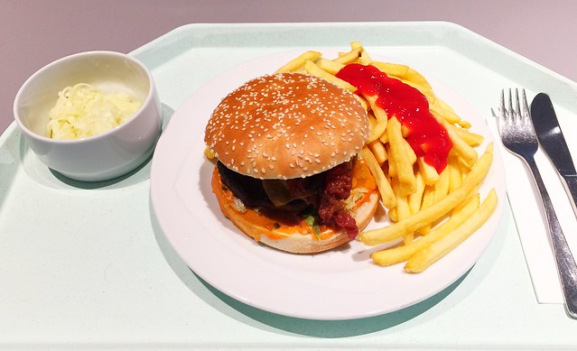 Cheeseburger, Pommes Frites & Krautsalat [29.11.2017]