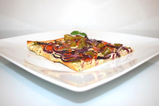 Pikanter Peperoni Chorizo Flammkuchen – das Rezept