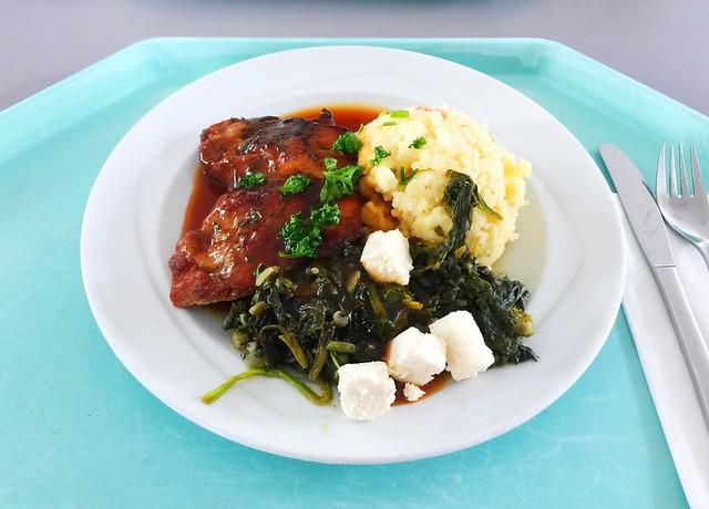 Filet Chirino – Schweinefilet mit Blattspinat & Metaxasauce, dazu Gemüsecouscous [12.04.2018]