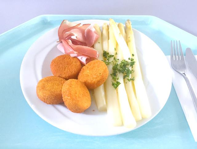 Frischer Spargel mit verschiedenem Schinken & Kartoffelplätzchen [14.05.2018]