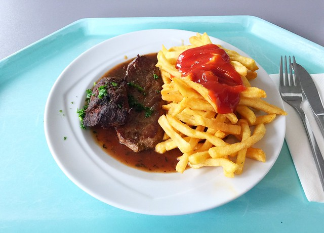 Känguru-Steak mit Bratenjus & Pommes Frites [29.06.2018]