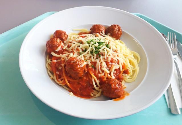 Spaghetti mit Fleischbällchen & würziger Tomatensoße [18.07.2018]