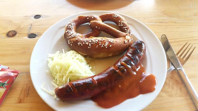Bratwurst mit Bretzel & Krautsalat [19.07.2018]