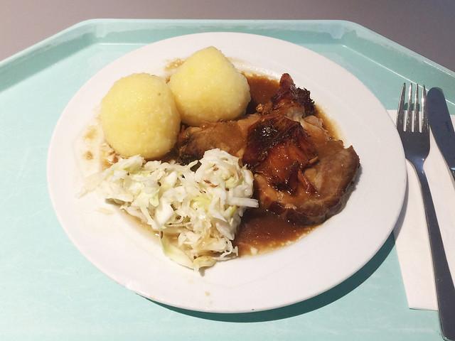 Schweinebraten mit Krautsalat und Kartoffelknödel [14.08.2018]