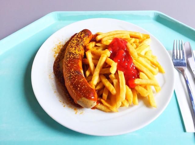Weiße Currywurst mit Pommes Frites [23.08.2018]