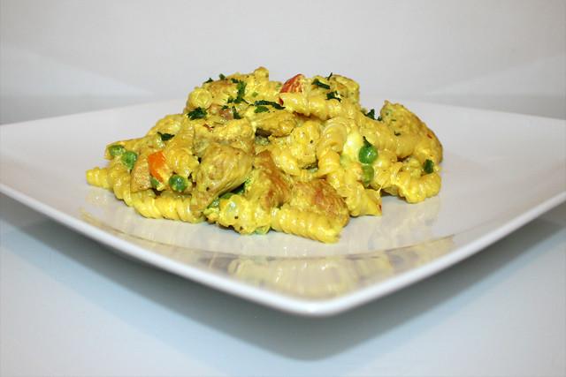 Cremige Curry-Nudelpfanne mit Pute – das Rezept