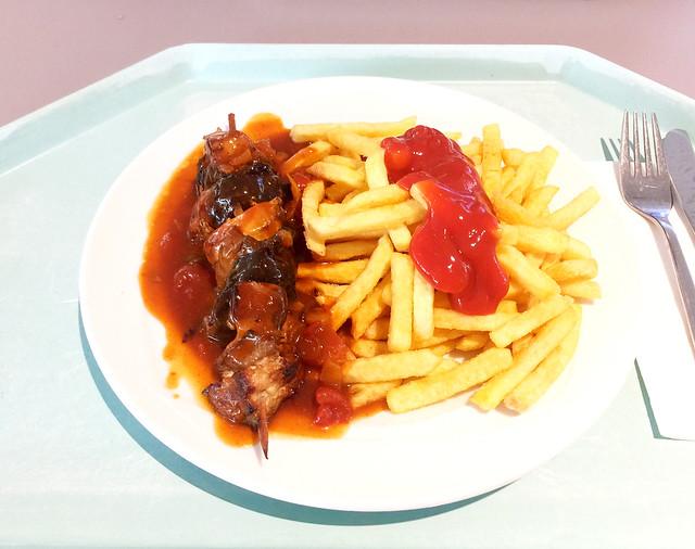 Schaschlikspieß mit Zigeunersauce & Pommes Frites [30.08.2018]