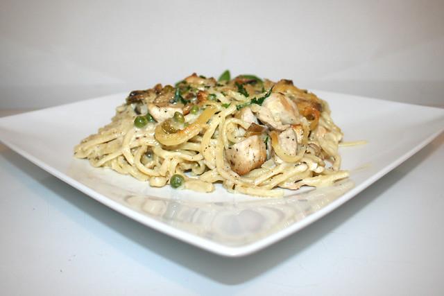 Cremiger Chicken Tetrazzini Nudelauflauf – das Rezept