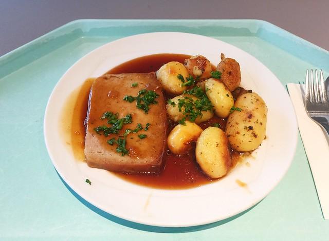 Hackbraten mit Zwiebelsauce & Bratkartoffeln [03.09.2018]