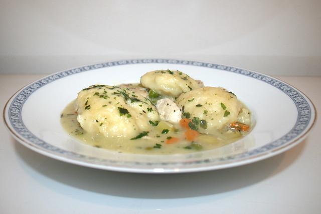 Hähnchen-Gemüse-Eintopf mit Klößchen – das Rezept