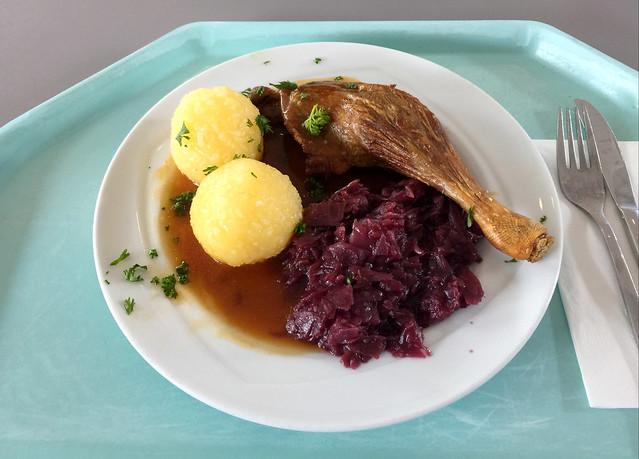 Entenkeule mit Blaukraut & Kartoffelklößen [25.10.2018]
