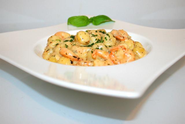 Gnocchi mit Shrimps in Knoblauch-Parmesan-Sahnesauce – das Rezept