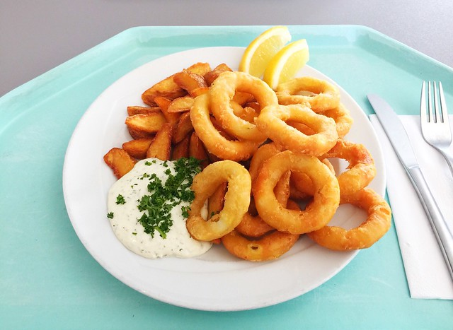 Gebackene Calamari mit Country Potatoes & Remoulade [08.03.2019]