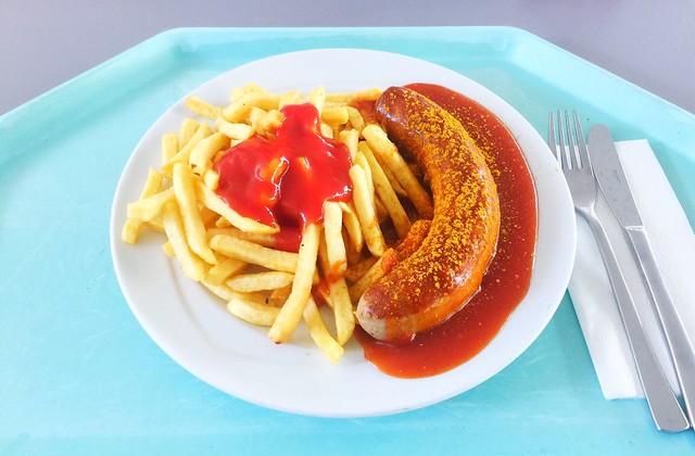 Currywurst mit Pommes Frites [25.04.2019]
