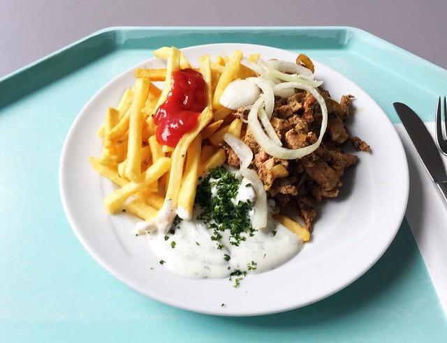 Gyros mit Tzatziki Zwiebeln & Pommes Frites [08.05.2019]