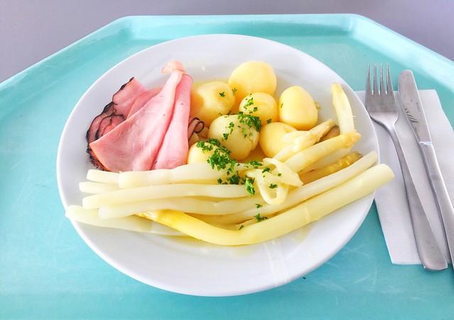 Frischer Spargel mit Schinken, Butter & Kartoffeln [29.05.2019]