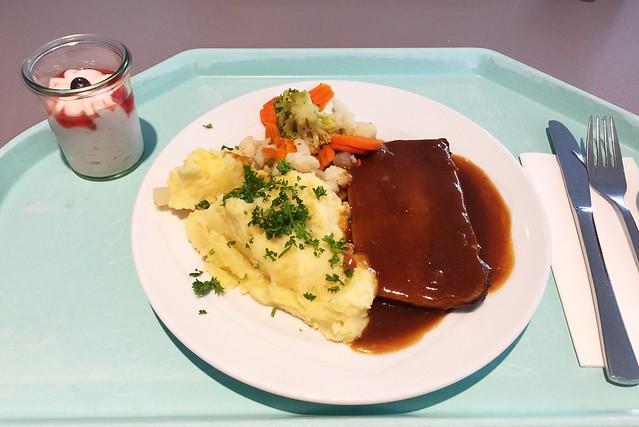 Hackbraten mit Zwiebelsauce & Kartoffelstampf [13.06.2019]