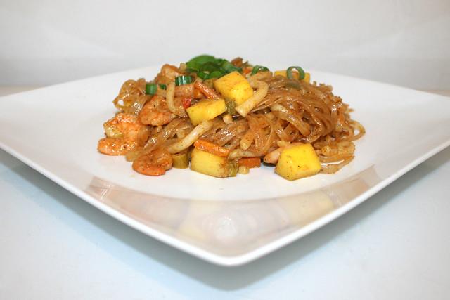 Tandoori-Glasnudelcurry mit Shrimps & Mango – das Rezept