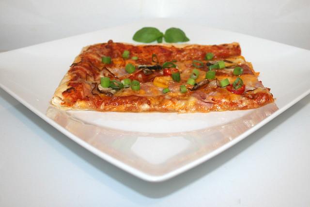 Blätterteig-Pizza mit Chorizo – ein Resteverbrauch