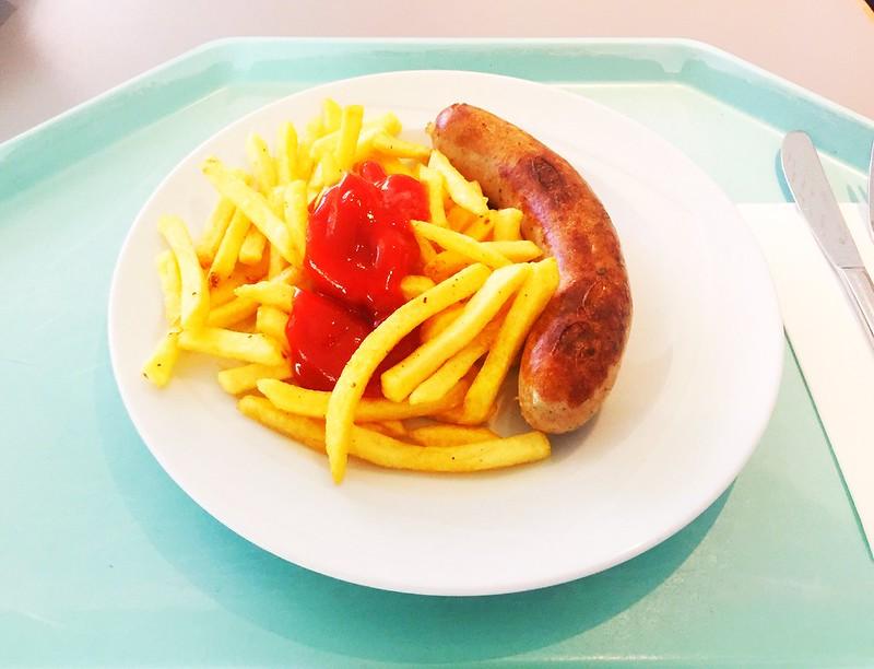 Bratwurst mit Pommes Frites [10.10.2019]