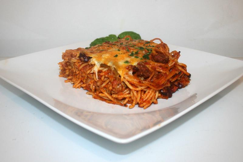 Hackfleisch-Nudelauflauf mit Paprika & Bohnen – das Rezept