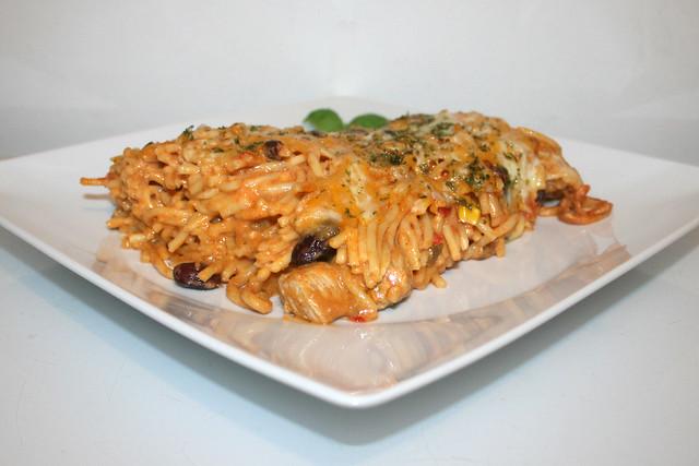 Cremiger Spaghettiauflauf mit Chipotle-Honig-Limonen-Hähnchen – das Rezept