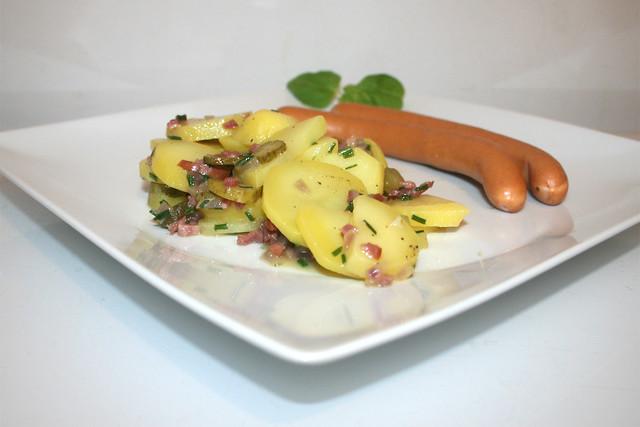 Bayrischer Kartoffelsalat mit Wiener Würstchen – das Rezept