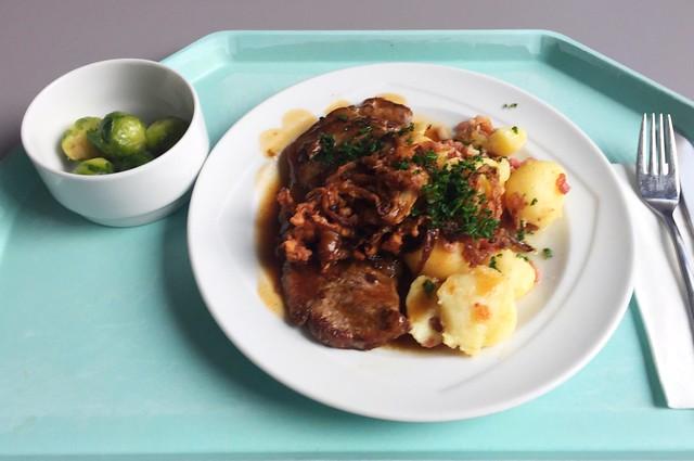 Wiener Zwiebelrostbraten mit Röstzwiebeln & Bratkartoffeln [23.01.2020]